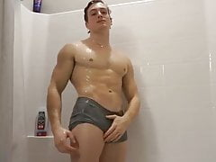Cam: Young Hunk Showers