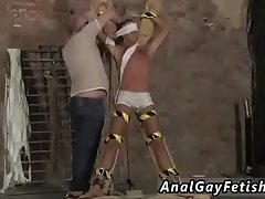 Boy to boy gay porn sex video He&#039_s corded up to the cross in just his