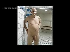 Fkkgeorg takes a bath - GayCamz.xyz