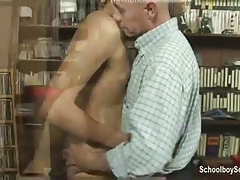 Old photographer fucks young gay model