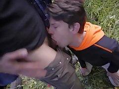 Rescate con sexo a chico perdido en el monte